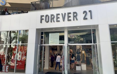 Retail store, Forever 21, on Hollywood Boulevard in Los Angeles offers 70% off select style clothing for the Valentine's Day holiday.
