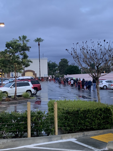 This is Sunday morning at Super King Supermarket at 6:40 a.m. on March 15, 2020. Shoppers stood in a long line waiting for the store to open.