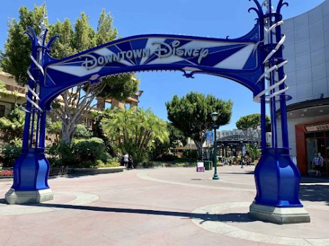 Photo of Downtown Disney blue entrance arch.